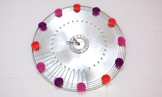 Crear un original reloj de pared decogarden - Relojes para decorar paredes ...