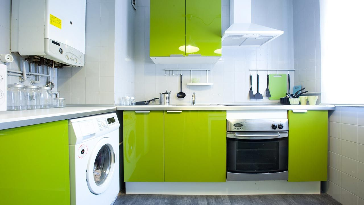 Decorar una cocina en color verde hogarmania Ideas para decorar cocinas blancas