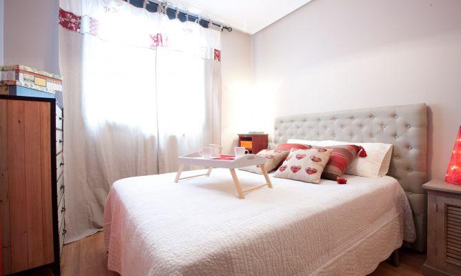 Decorar dormitorio c lido y moderno decogarden - Decorar un dormitorio ...