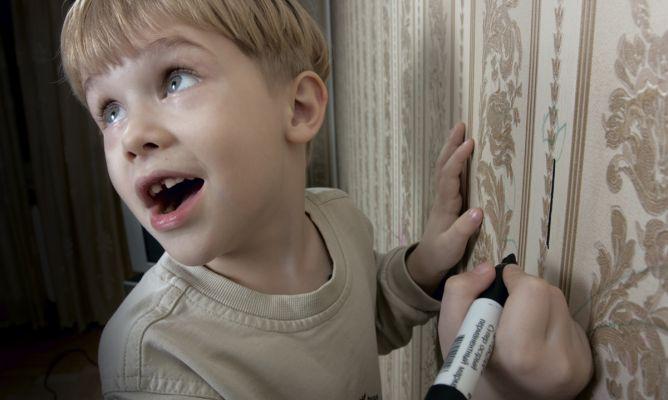 Limpiar pintadas de la pared hogarmania - Como limpiar paredes pintadas ...