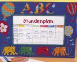 Cuadro bordado para calendario de clases