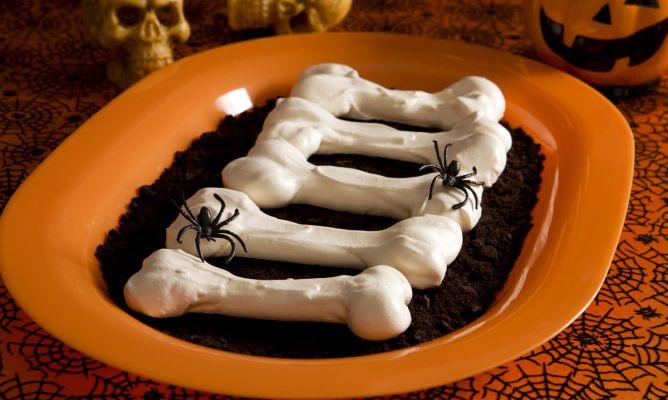¿ Truco o Trato ? Halloween-huesos-merengue-xl-668x400x80xX