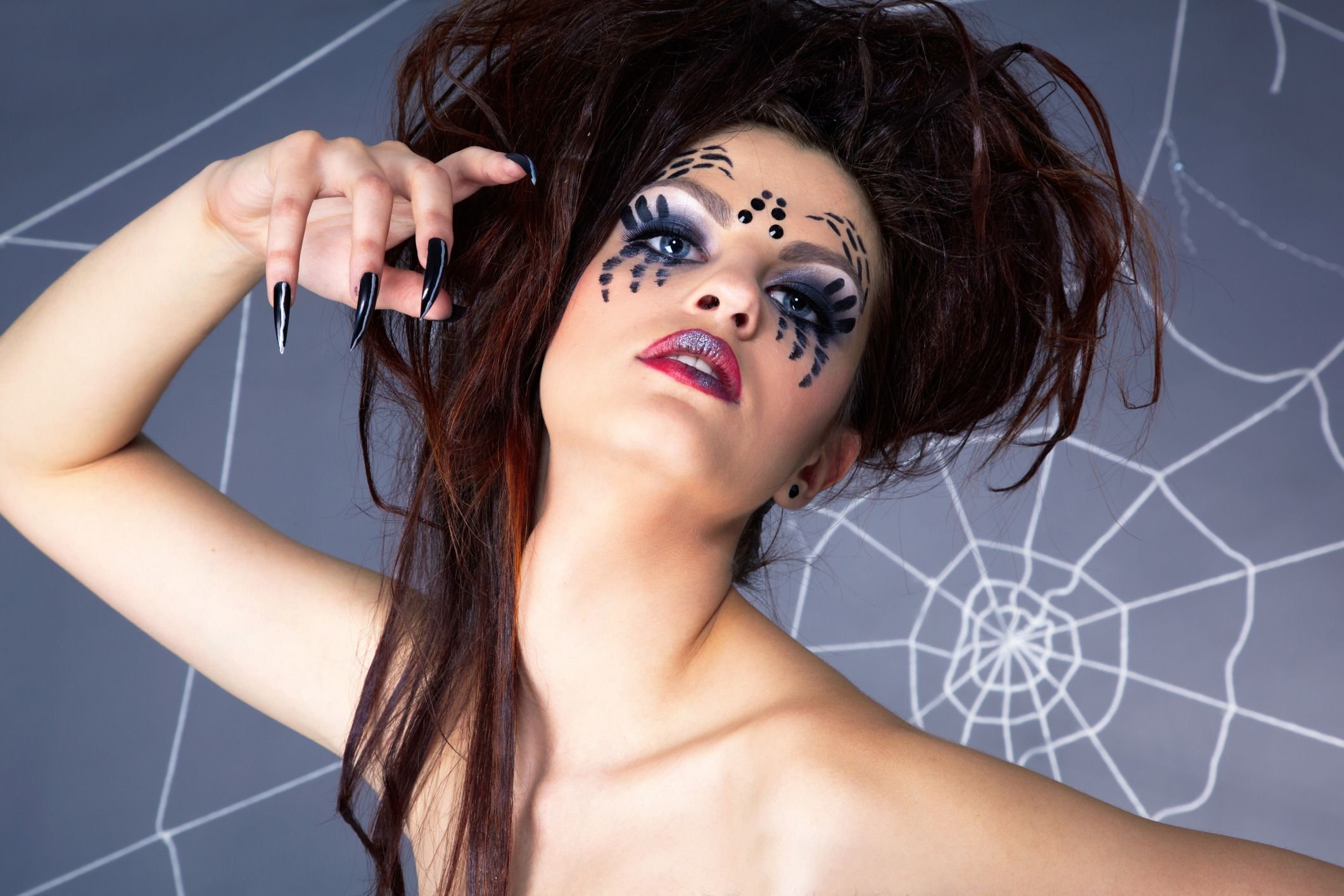 Фото девушка в паутине, Фото: Девушка, которая застряла в паутине Кадр из 27 фотография