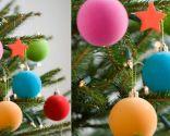 Decorar un árbol de Navidad de color verde
