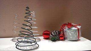 Crear abeto navideño con alambre