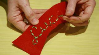 Calcetín de Navidad de fieltro - Paso 6