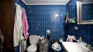 Renovamos un cuarto de baño oscuro y desorganizado, ¡sin hacer obras! - Paso 1