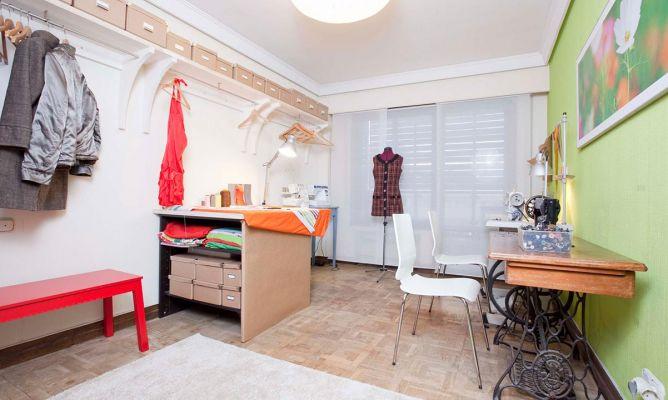 Decorar un taller de costura en casa decogarden for Programa para decorar casas