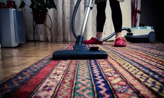 Limpiar a fondo las alfombras hogarmania - Como limpiar alfombras en casa ...
