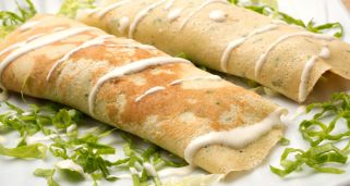 Crepes de pollo, lechuga y nueces