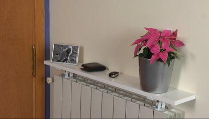 Reciclar un cubre radiador decogarden for Decorar radiadores