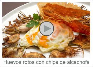 Vídeo: Huevos rotos con chips de alcachofa