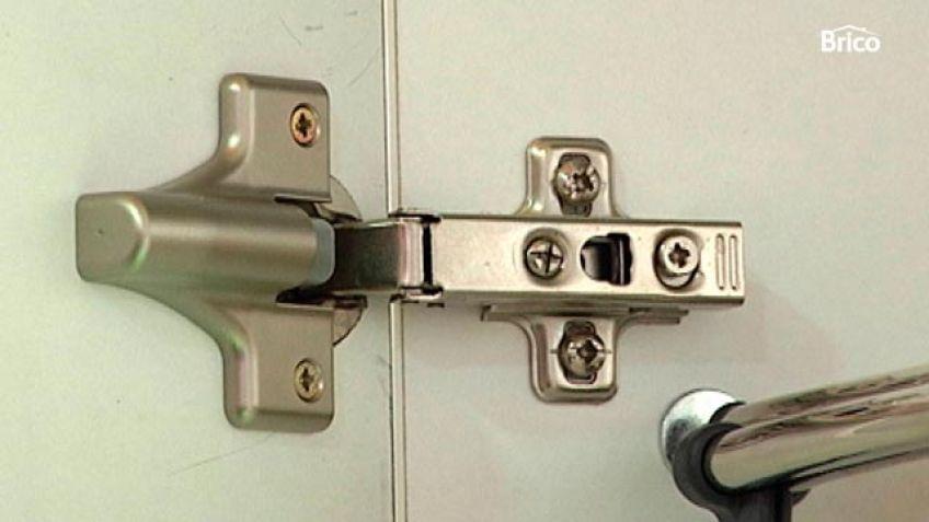 Bricomania puerta corredera renovar el aspecto de un cuadro paso reciclar puerta de madera - Ajustar puertas armario ...