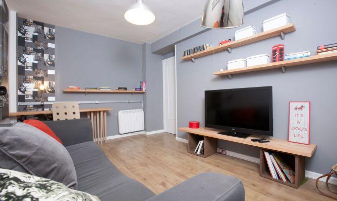 Sala moderna decogarden for Programa para decorar habitaciones online