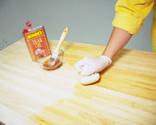 Mantenimiento de encimera con aceite para madera paso 3