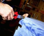 Cómo tapizar la tapa de un baúl paso 1