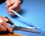 Cómo tapizar la tapa de un baúl paso 6