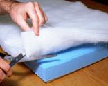 Cómo tapizar la tapa de un baúl paso 7