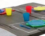 mesa picnic y barbacoa platos cubiertos