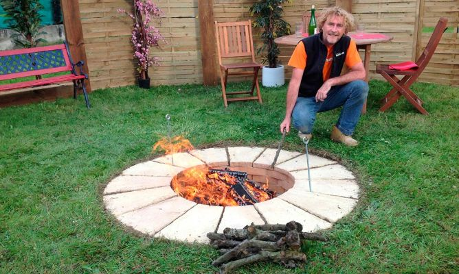 Barbacoa circular bricoman a - Como construir una barbacoa de obra ...