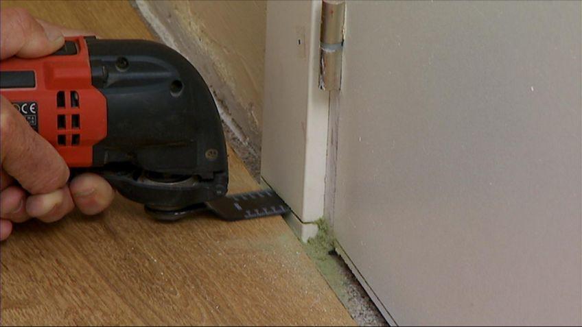 Cortar jambas y puertas para colocar un suelo nuevo - Hogarmania