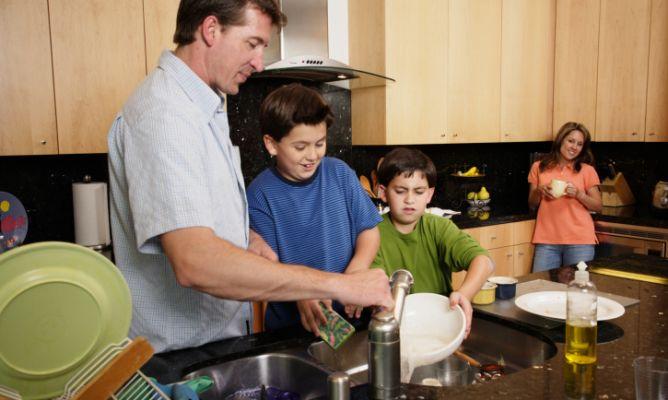 Cómo delegar tareas domésticas - Hogarmania