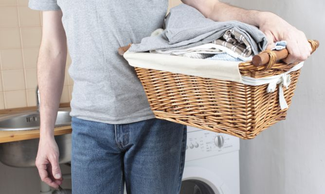 Limpiar manchas de grasa en pantal n hogarmania - Quitar manchas de grasa de coche ...