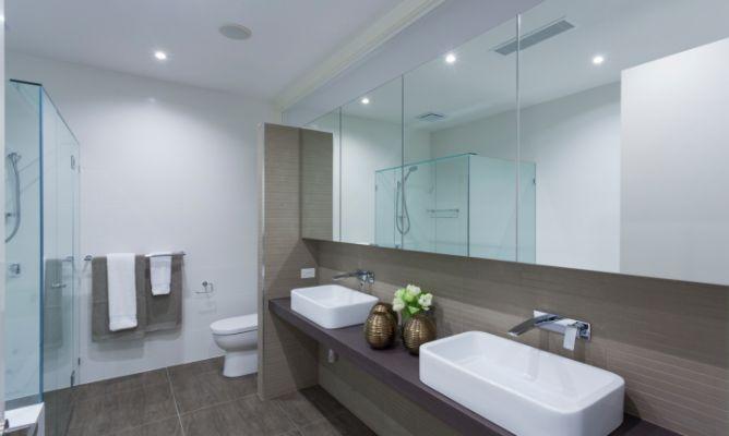 Limpiar el espejo del baño - Hogarmania
