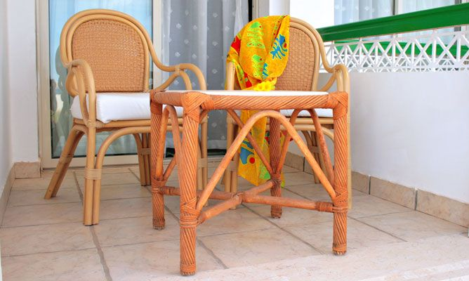 Mantenimiento de una silla de exterior de bamb bricoman a - Sillas de bambu ...