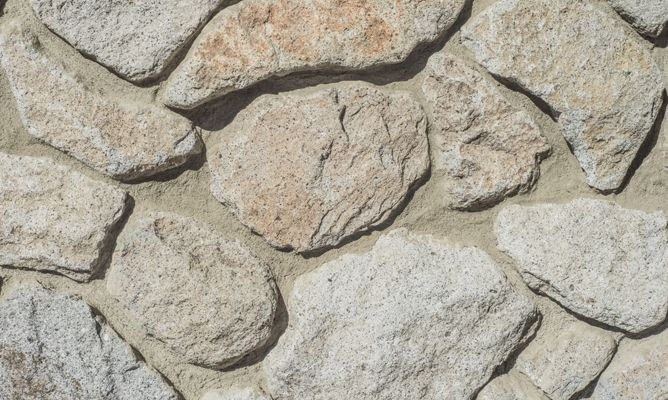 reparar un zcalo de piedra