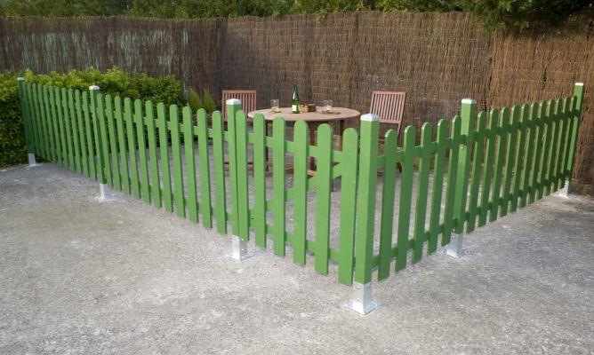 C mo construir un cercado de madera para el jard n for Bricomania jardin