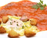 Magras con tomate y huevo frito