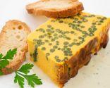 Pastel de zanahorias y judías verdes con salsa roquefort