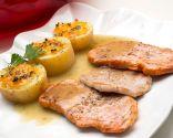 Lomo con salsa de ajos y patatas al gratén
