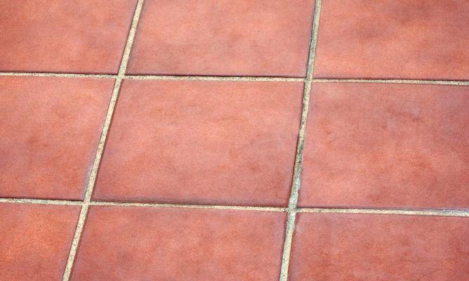 Eliminar mancha de humedad en suelo de barro bricoman a - Como poner baldosas en el piso ...