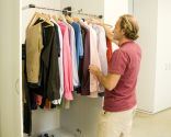 Colgador abatible para armario