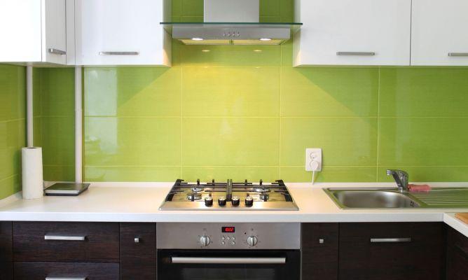 Decorar una cocina en color verde hogarmania - Cocinas de color ...