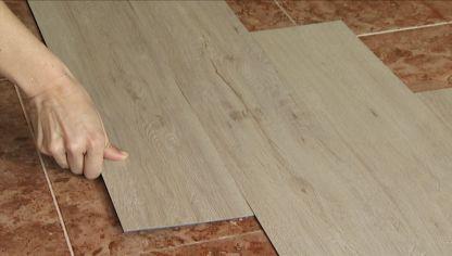 Un suelo para cada espacio laminados porcel nicos y for Suelos laminados o vinilicos