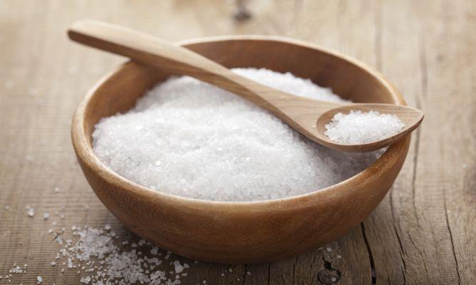 5 ideas para limpiar con sal - Hogarmania