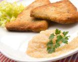 Escalopes de pez espada con salsa de cebolla y manzana