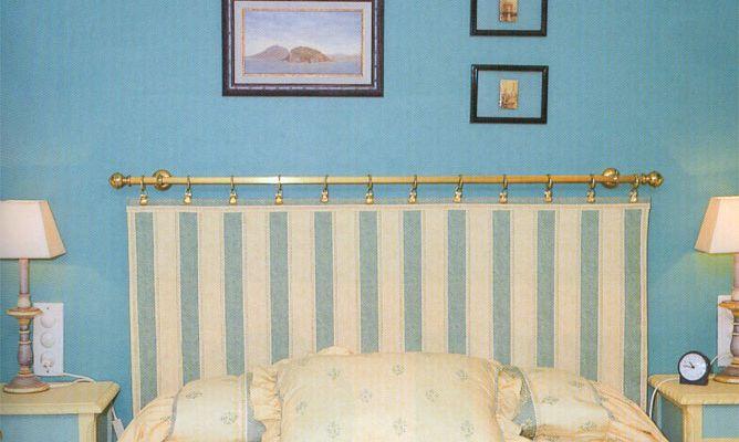 Hacer un cabecero con una barra de cortina bricoman a - Como hacer un cabecero de cama economico ...