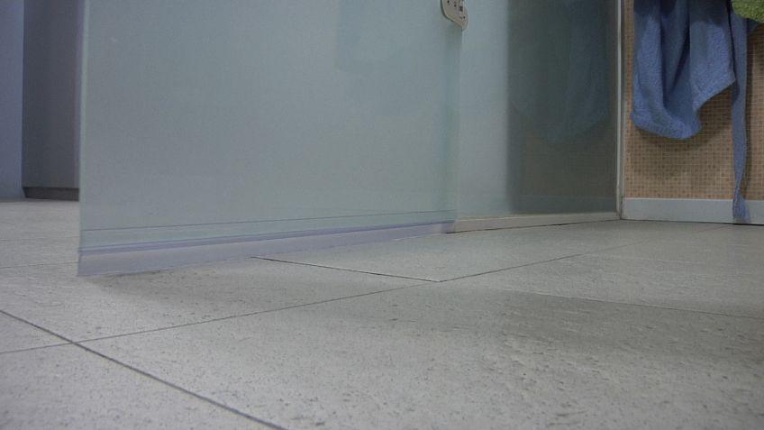 Bricomania puerta corredera cambiar bombn de puerta de for Bricomania puerta corredera