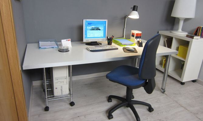 Hacer una mesa escritorio bricoman a - Como hacer una mesa de ordenador ...