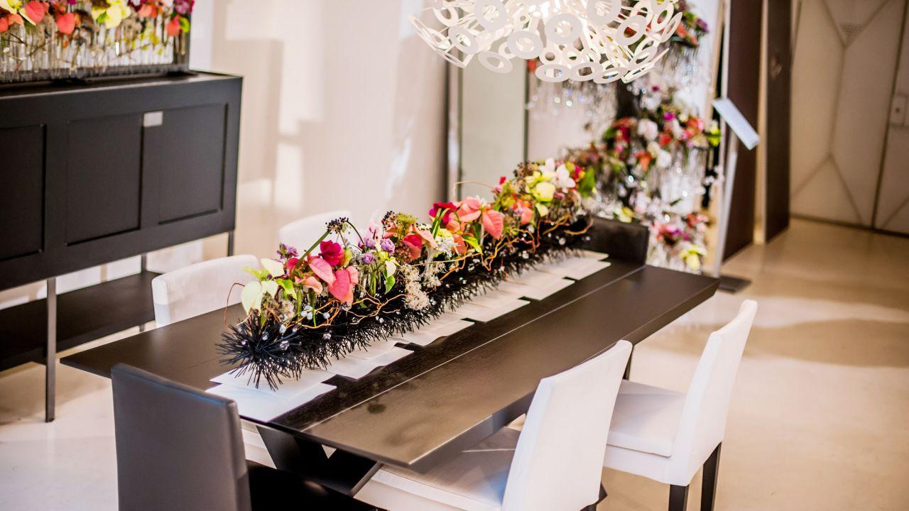 Decoraci n navide a moderna con flor de pascua centro 1 - Decoracion navidad moderna ...