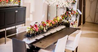 decoración navideña moderna con Flor de Pascua o Poinsettia