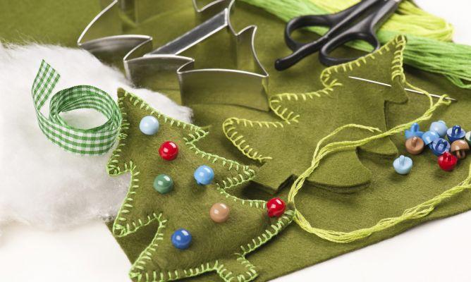 Hacer un rbol de navidad de fieltro hogarmania - Hacer arbol navidad ...