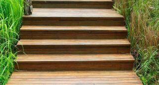 Como Hacer Una Escalera Exterior De Madera Bricomania - Escaleras-de-madera-para-exteriores