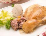 Pollo relleno con puré de castañas