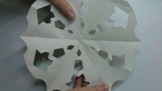 Copos de nieve de papel - Paso 10