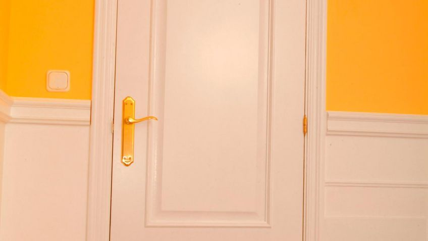 Cómo Lacar Una Puerta De Madera Bricomanía Bricolaje